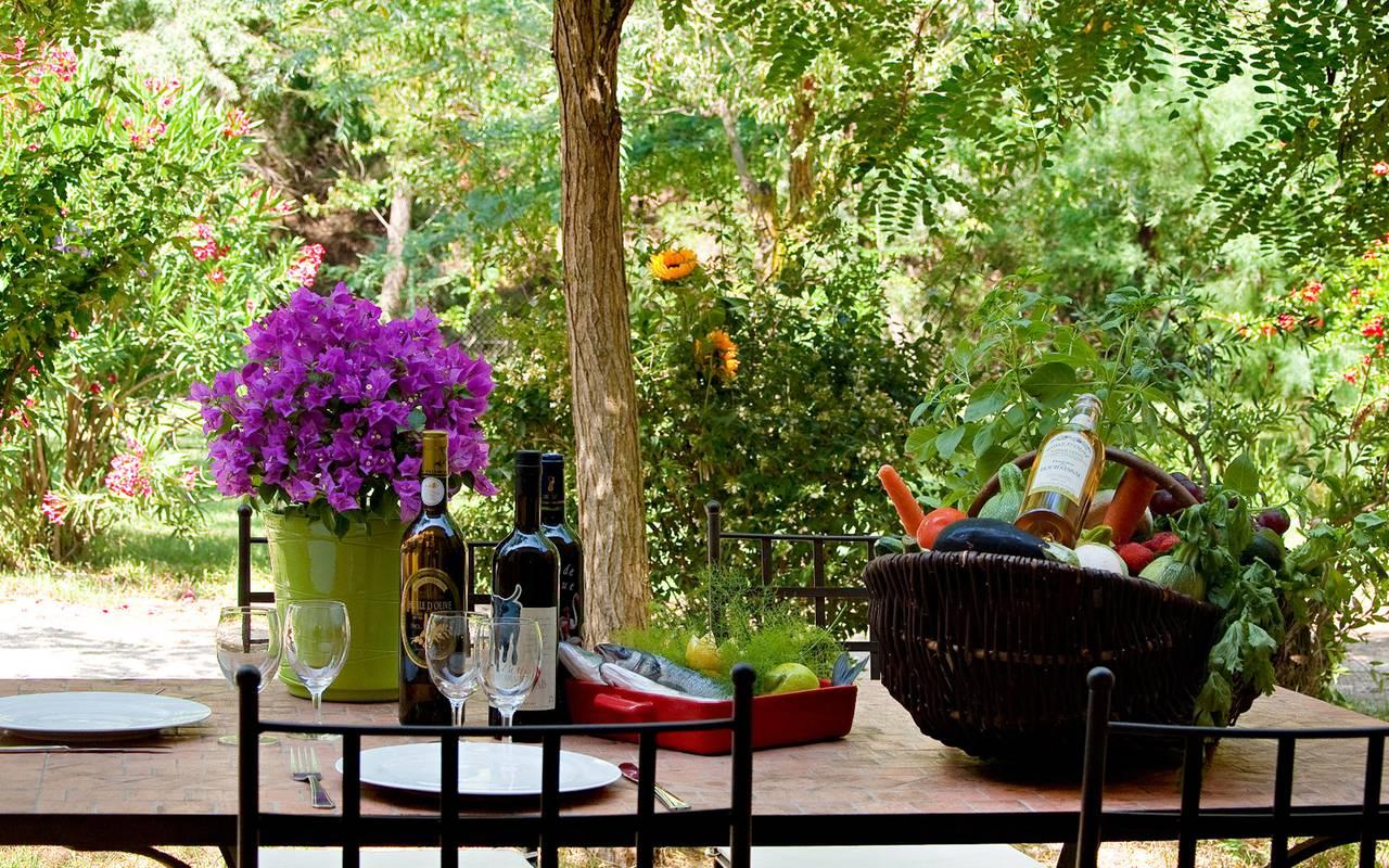 Table terrasse privée, hotel de charme Camargue, le Mas des Sables