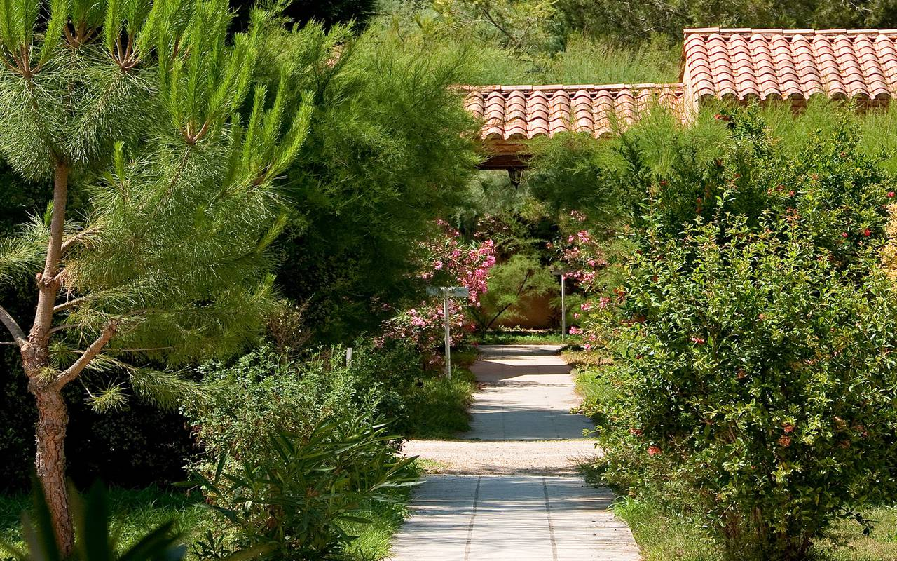 Luxurious garden Mas des Sables hotel Aigues mortes