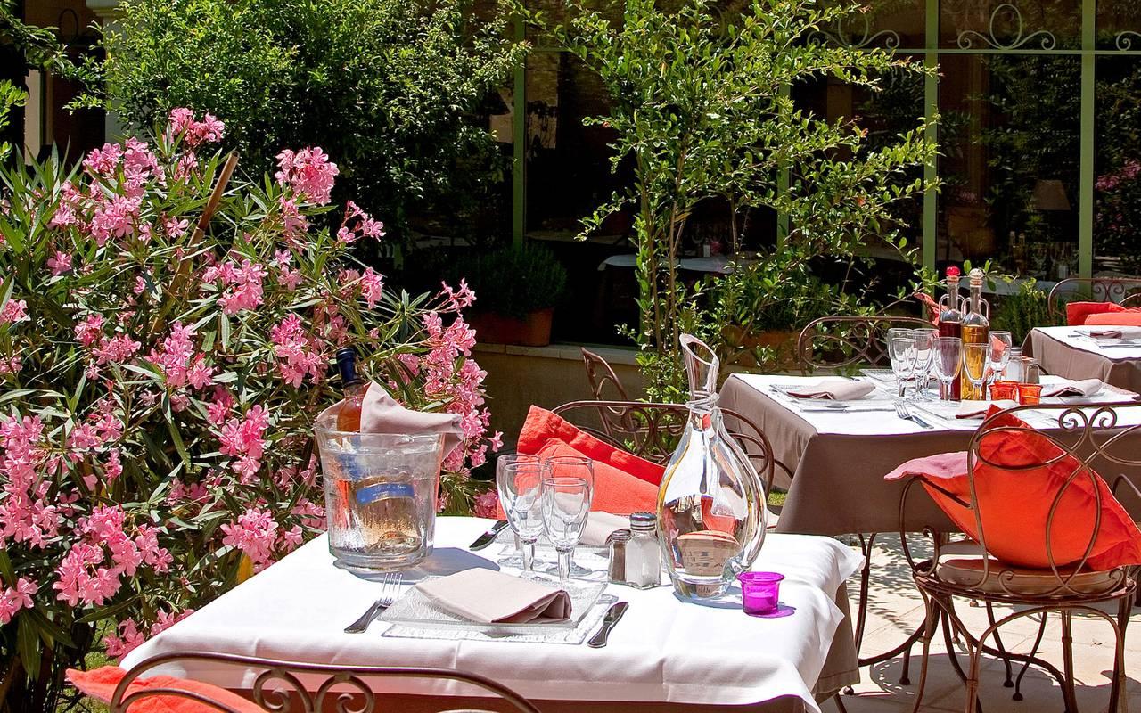 Restaurant de qualité hôtel Aigues mortes