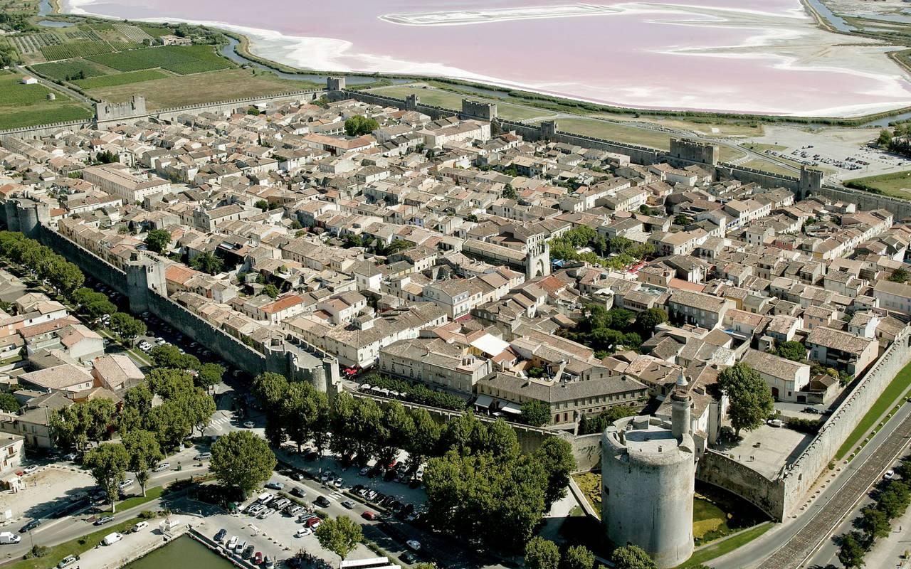 Ville d'Aigues morte hôtel de charme Camargue