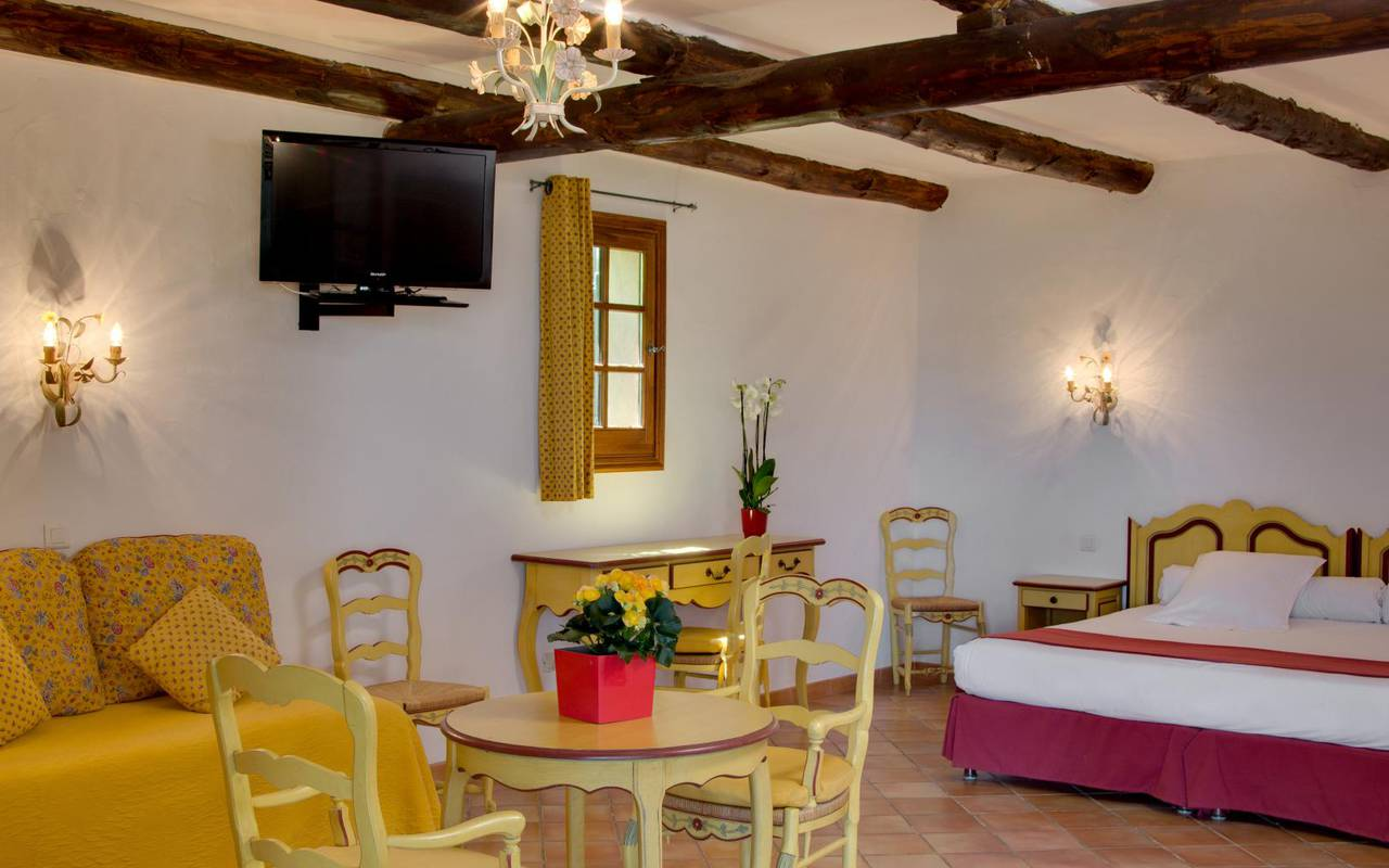 Chambre provençale hôtel de charme Aigues mortes